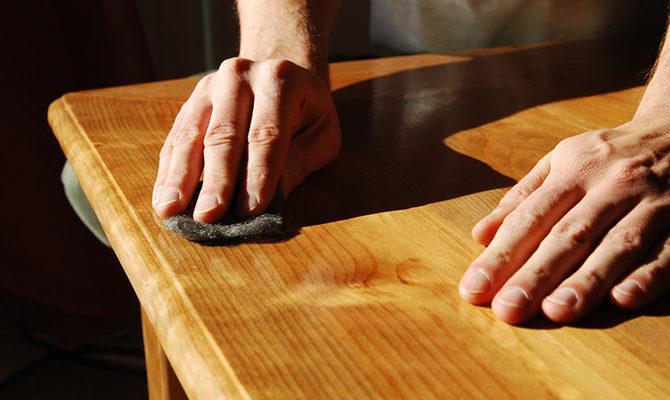 Ayons conscience de l'importance de l'entretien des meubles en bois : comment procéder ?